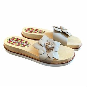 New Naked Feet Wooden Flatform Slide Sandal size 9